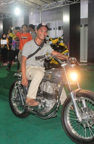 Yamaha SR400 Curi Perhatian di Motorcycle Contest PKMTM 2018